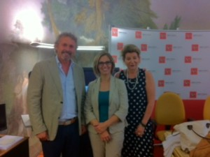 Nicola Fantozzi alla presentazione del Festival Gaber a Firenze con l'assessore Nocentini e la figlia di Gaber, Dalia Gaberschik.